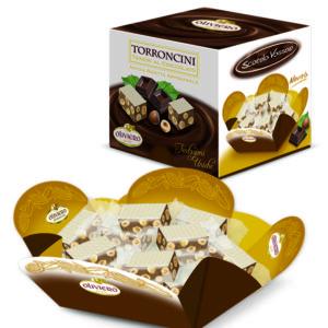 Confezione di torroncini teneri al cioccolato con nocciole