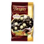 Busta mix (nocciole, mandorle uvetta e cereali) ricoperti di cioccolato fondente, latte e bianco