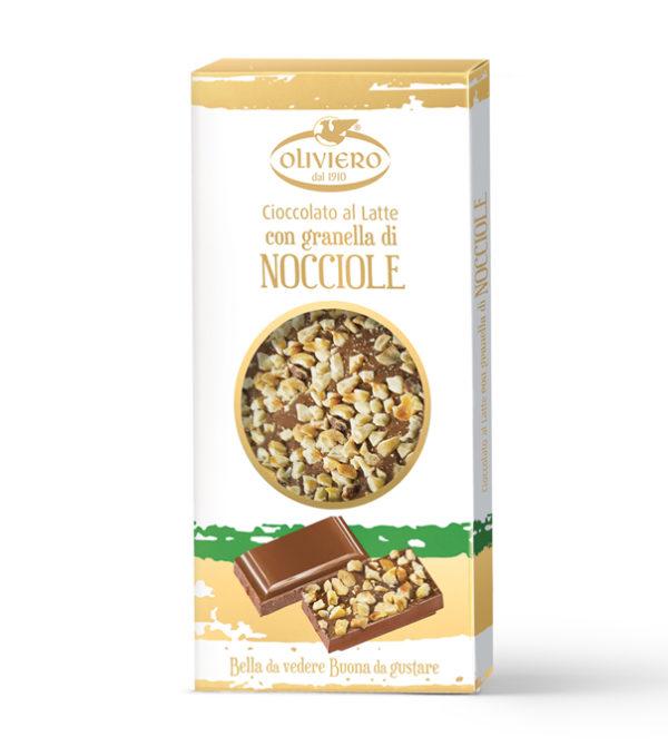 Barretta di cioccolato al latte con con granella di nocciole