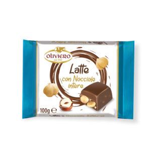 Tavoletta cioccolato al latte con nocciole intere